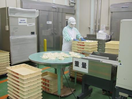 製造部門の正社員ぎょうざの満洲で働きませんか工場の食品製造スタッフ募集中!!